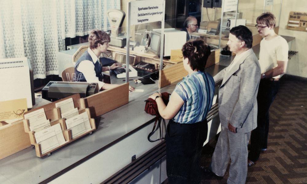 Schalter der Deutschen Post der DDR, 1985