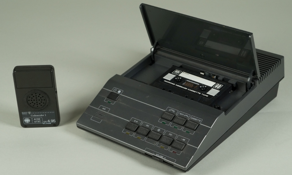 Anrufbeantworter Rispondo 1 mit Kassette, 1990