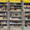 Kunstgewerbliche Objekte im Depot in Heusenstamm