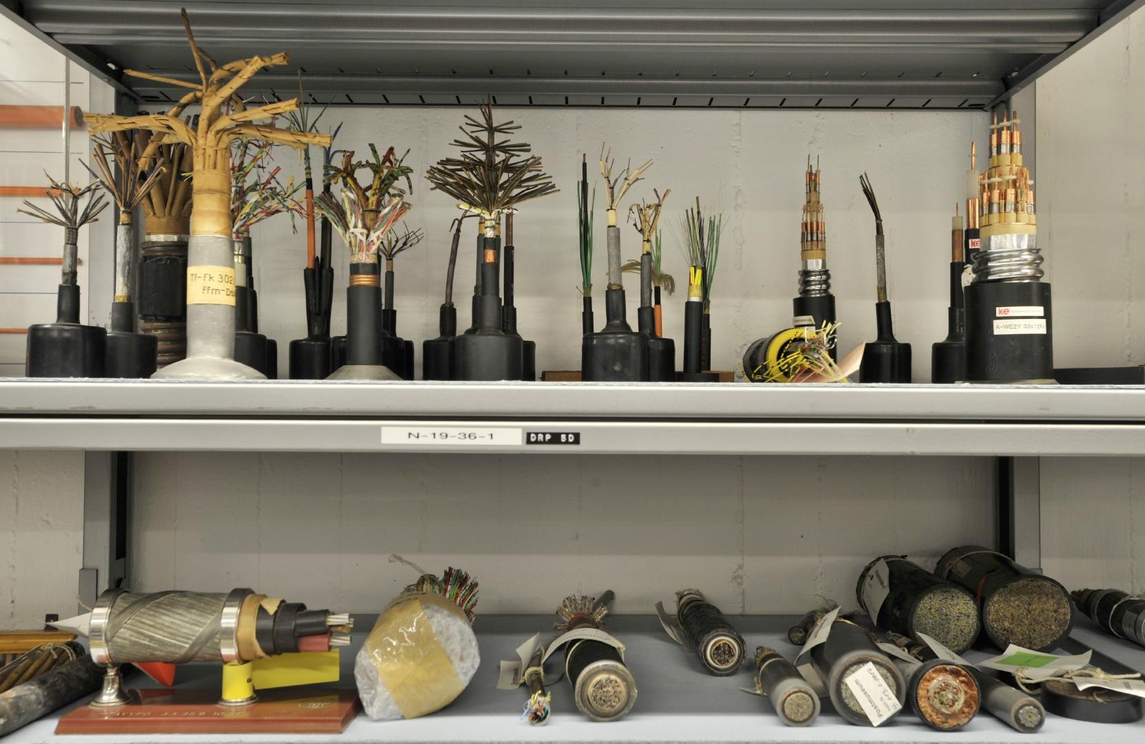 Kabel und Leitungen – Museum für Kommunikation – Sammlungen