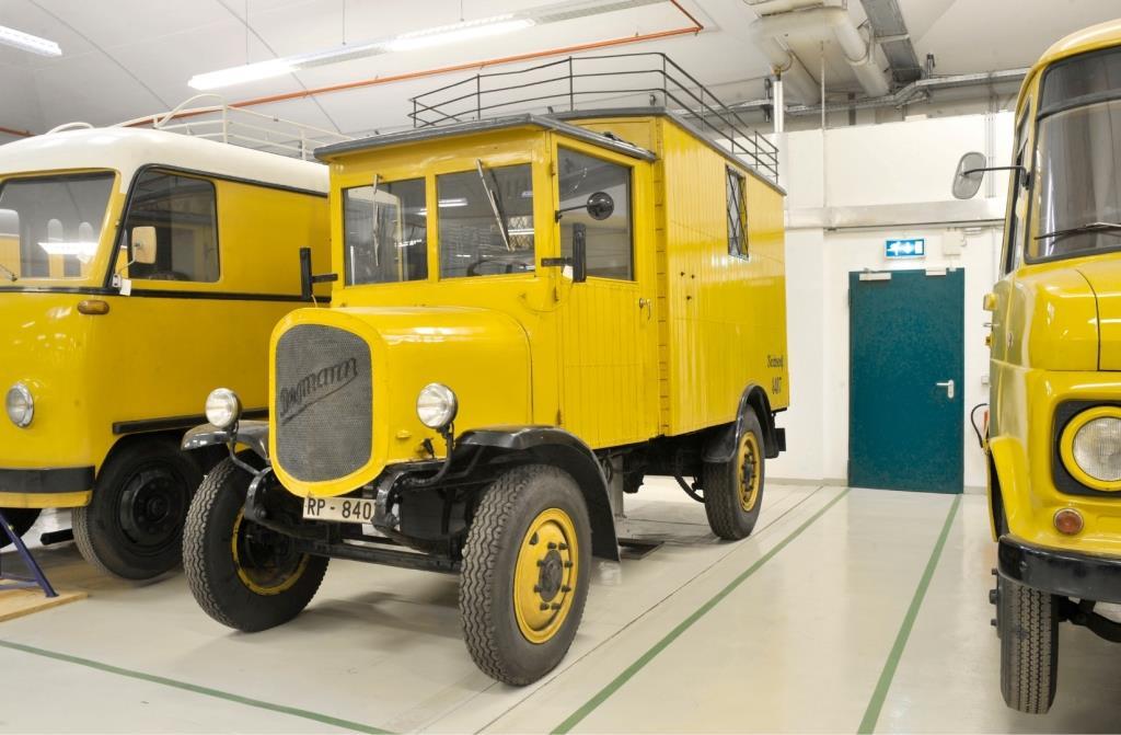Elektrofahrzeuge museum f r kommunikation sammlungen for Depot esslingen