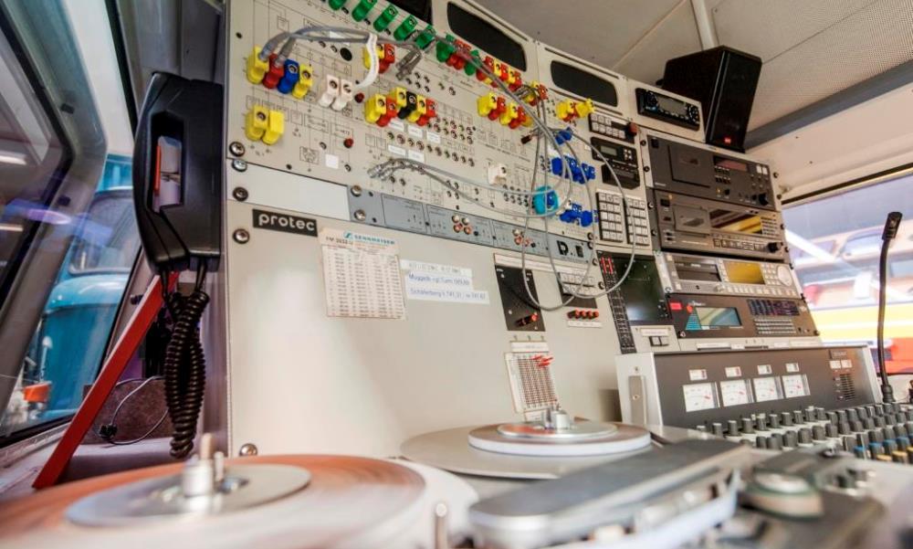 Rundfunk- und Fernsehuebertragungswagen im Depot Heusenstamm