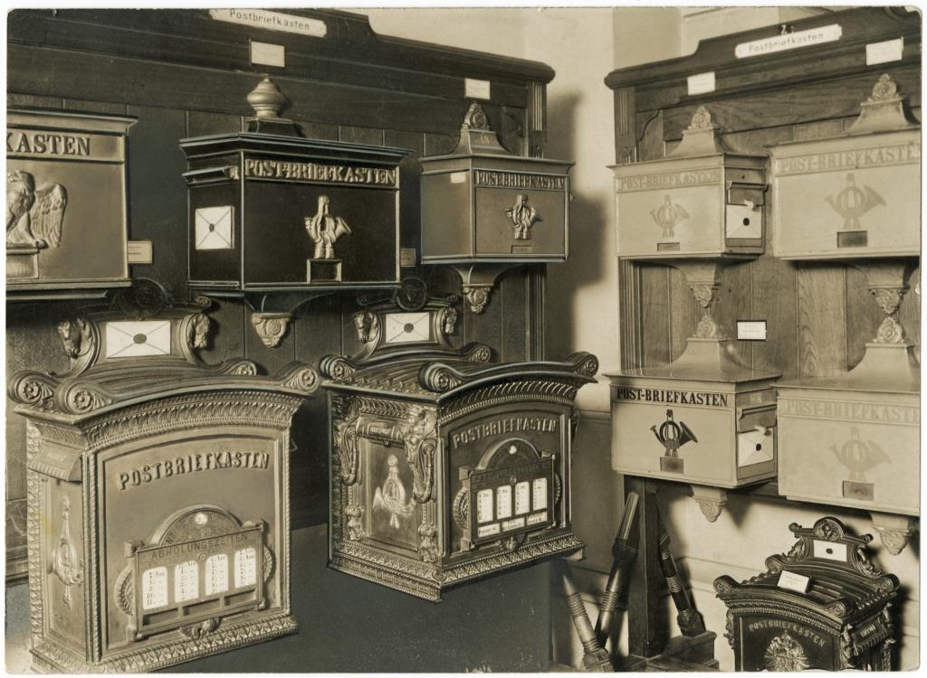 briefk sten museum f r kommunikation sammlungen. Black Bedroom Furniture Sets. Home Design Ideas