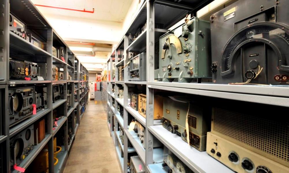 Sprechfunkgeraete im Depot HeusenstammSprechfunkgeraete im Depot Heusenstamm