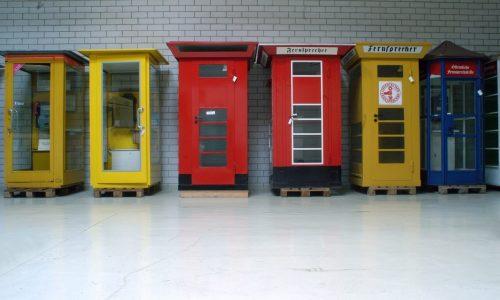 Oeffentliche Telefone - Telefonhaeuschen und Telefonzellen in der Sammlung der MSPT
