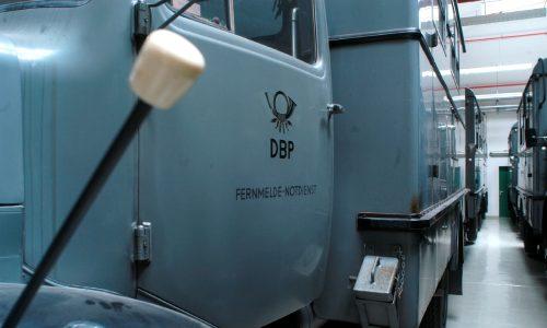 Fernmeldefahrzeuge im Depot Heusenstamm